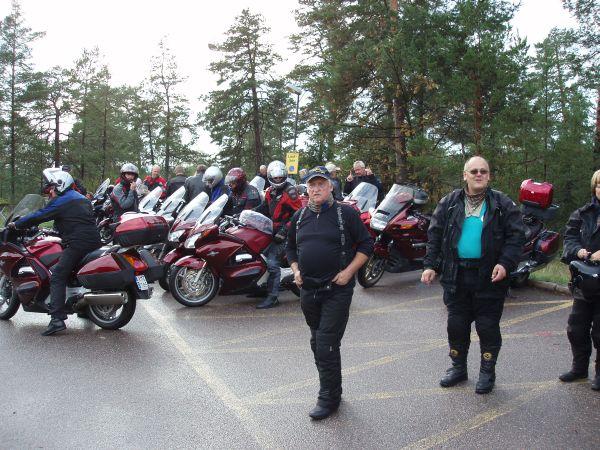 Pannorna parkerades i två grupper. Här står den ena halvan.