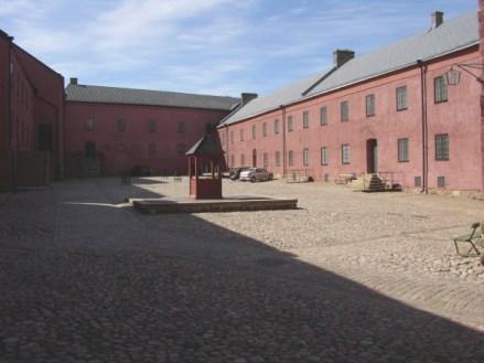 Varbergs fästning, inne på gården