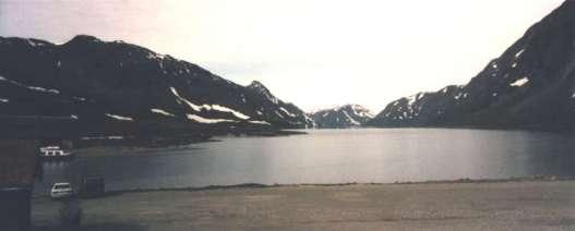 Gjendesjön vackert mellan bergen