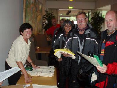Sven-Åke hade sett fram emot att få en Billabongtröja så den önskan fick vi uppfylla.