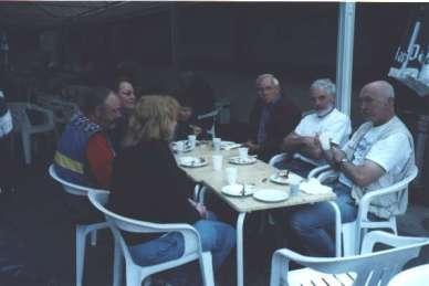 Internationellt gäng vid frukosten