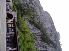 Ingång till tunneln som leder till hissen inne i berget upp till Hitlers tehus.