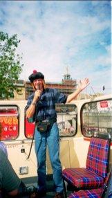 Egen guide på bussturen i Edinburgh. Han verkar bekant