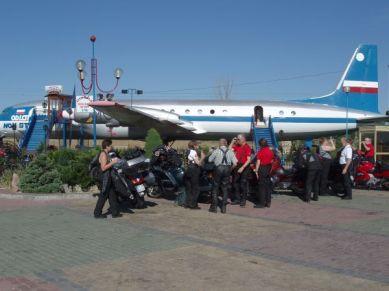 Rysk flygmaskin numera restaurang efter vägen från Katowice i söder till Gdynia i norr.