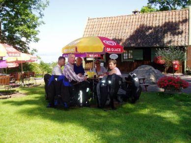 Ulf och Carina hade berättat att några av världens bästa räkmackor finns på Grännaberget. På hemvägen passade vi på att kontrollera sanningshalten i uttalandet. Sant!
