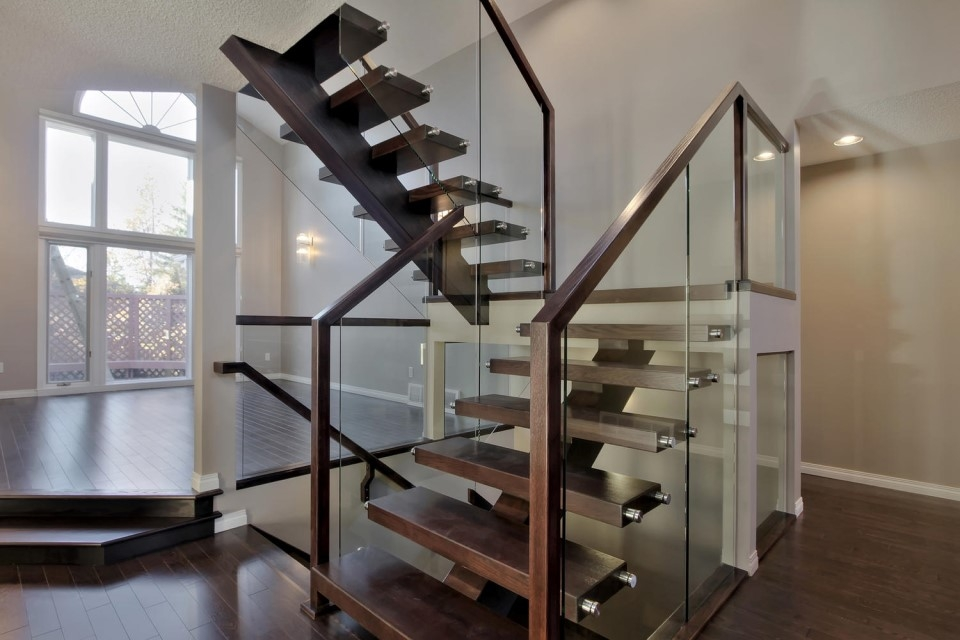 Top 10 Modern Glass Railing Inspirations Specialized Stair Rail | Wooden Handrail With Glass | Oak | Square | Marble | Landing | Nautical Wood