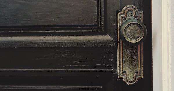 door-1110670_1920