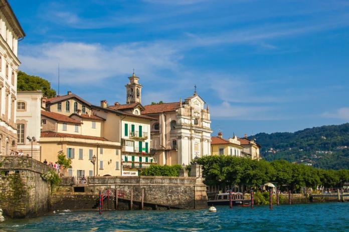Vistas de la isla de los pescadores en el lago Maggiore, Piamonte