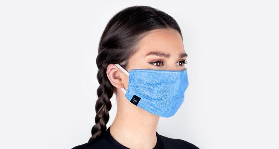 Cubrirse la boca y la nariz puede frenar la propagación del COVID-19 hasta en un 75%, según un estudio