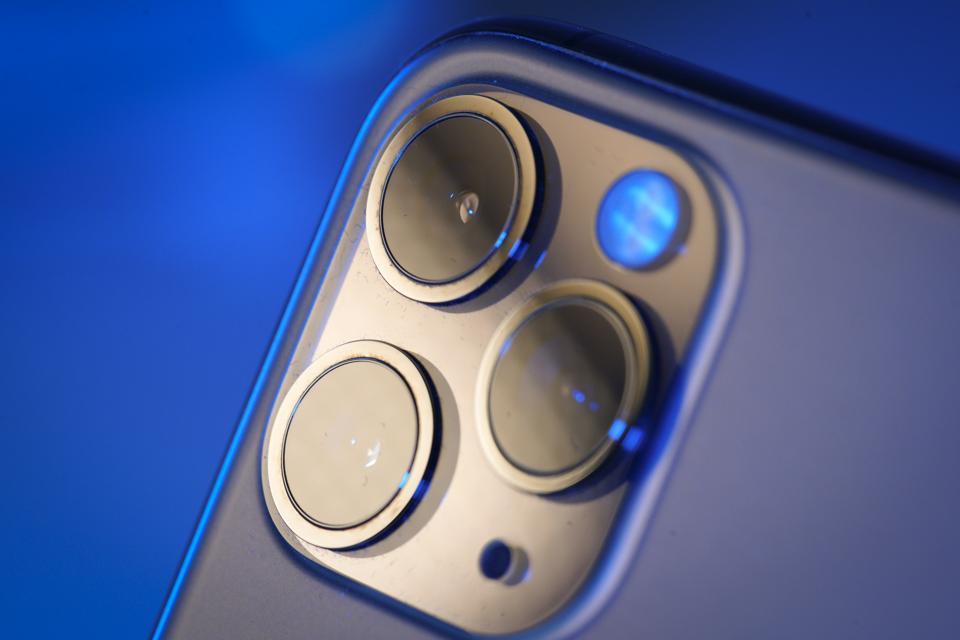 IPhone Camara Maker Shuts Factory Due To Corona Virus.
