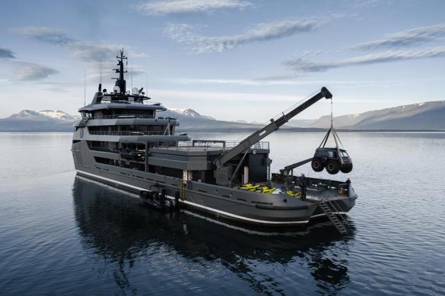 The rear of charter explorer yacht Ragnar