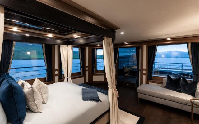 Master suite on charter explorer yacht Ragnar