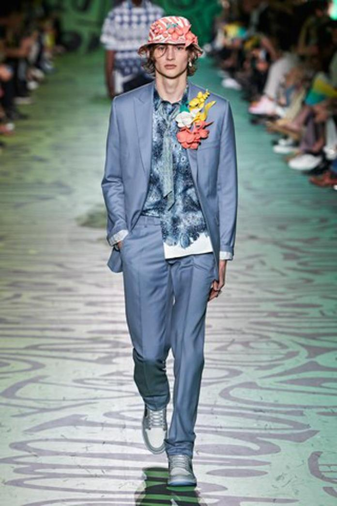 Dior Men: Blue Suit