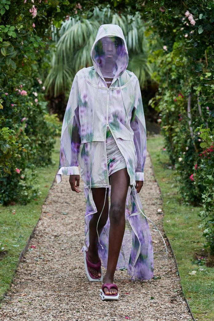 Sand 'coquelicot' outerwear in seersucker, off white 'hortensia' printed tank dress in cotton voile, blackcurrant flip flop in lamb nappa