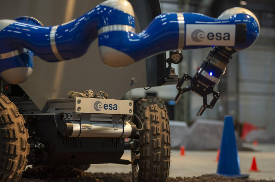 This ″gripper″ on an European Space Agency rover on Earth was controlled by an astronaut.