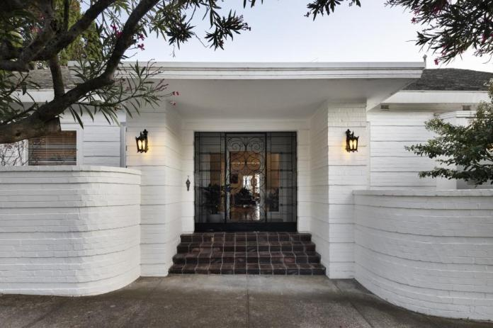 front entrance to house at  7 Edzell Avenue toorak melbourne australia