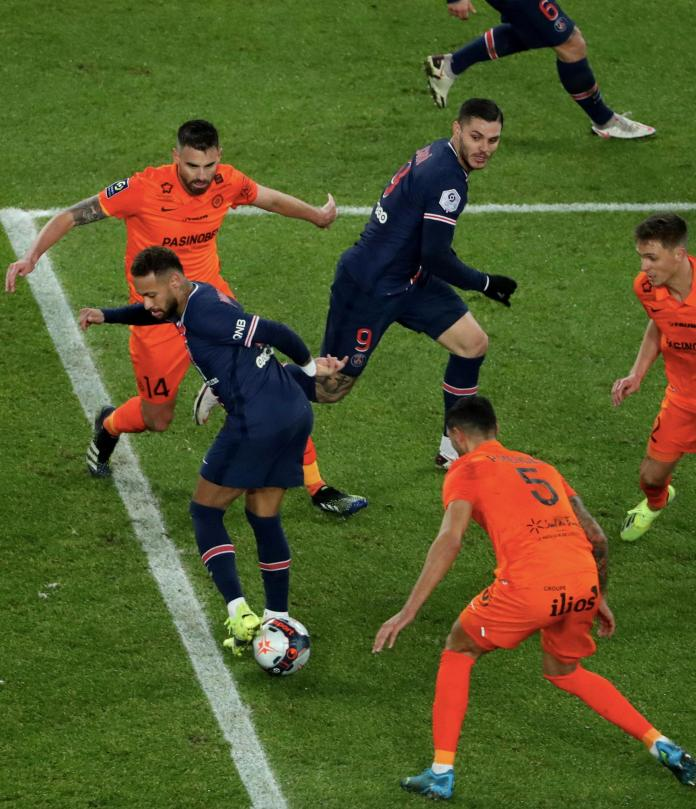 Neymar Jr of Paris Saint-Germain in action with Mauro Icardi during the Ligue 1 match between Paris Saint-Germain and Montpellier HSC at Parc des Princes on January 22, 2021 in Paris, France.