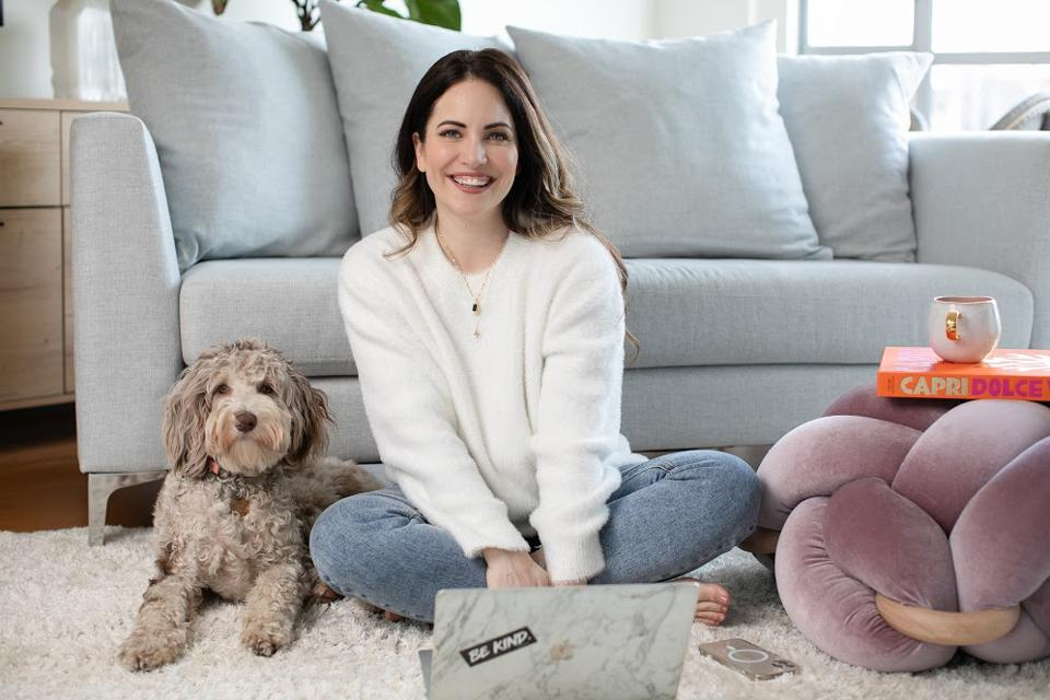 How This Female Entrepreneur Broke All The Rules To Get To Seven-Figure Success | Stephanie Burns