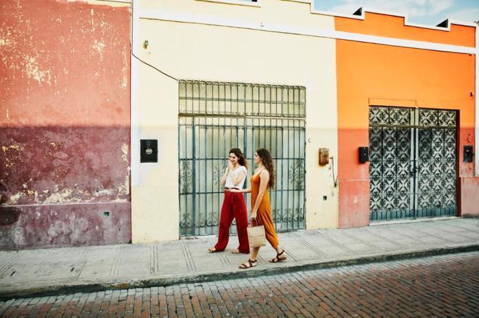 Mexico women travelers