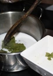 1&2.Pâte de curry dans le lait de coco