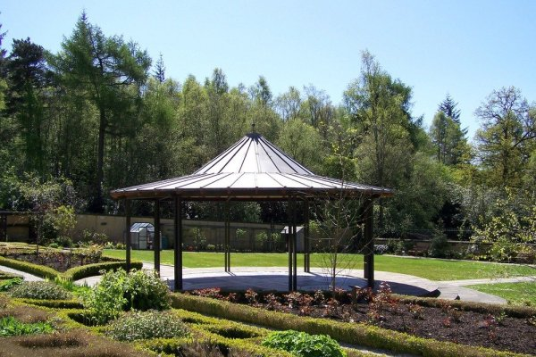 Mugdock_country_park_bandstand_conservation_area