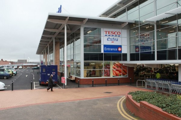 Tesco_-_bedworth_extra