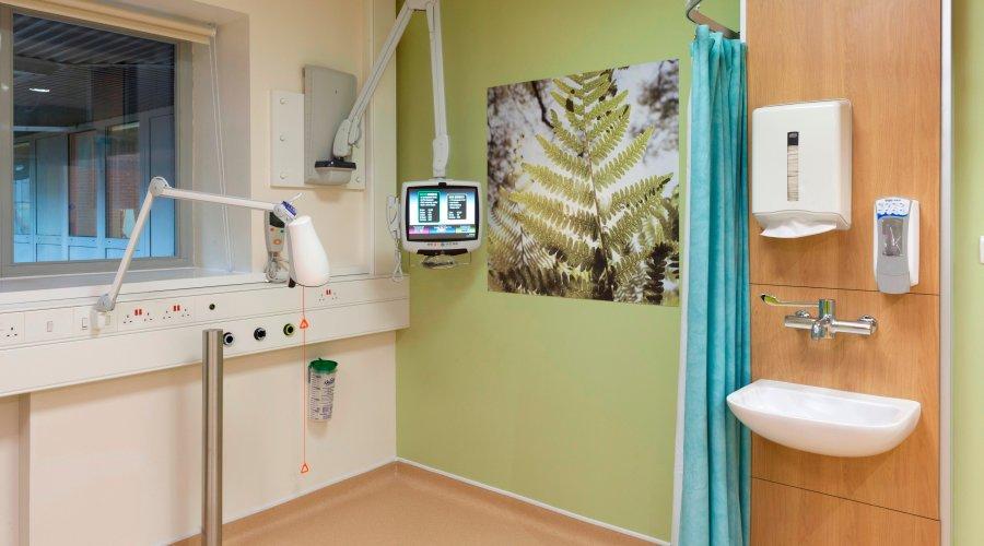 Altro floors & walls set the standard for dementia-friendly wards at Salisbury District Hospital