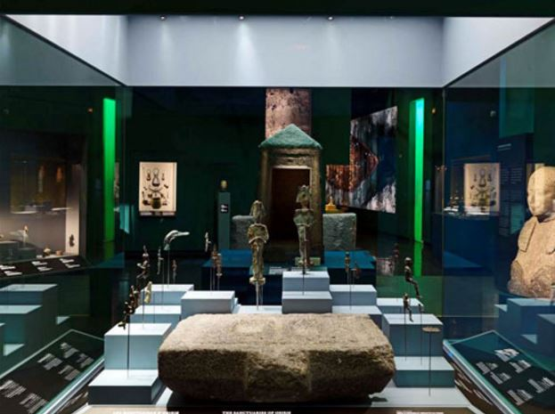 Guardian provides Clarity™ glass for Egyptian museum exhibit in Paris
