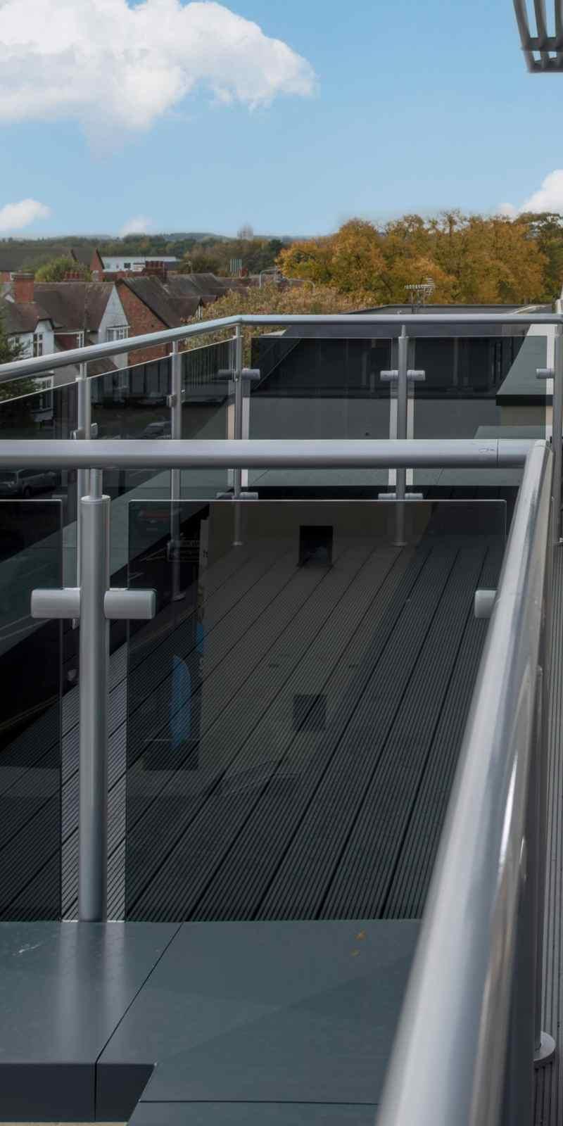 Neaco glass balustrade maximizes view