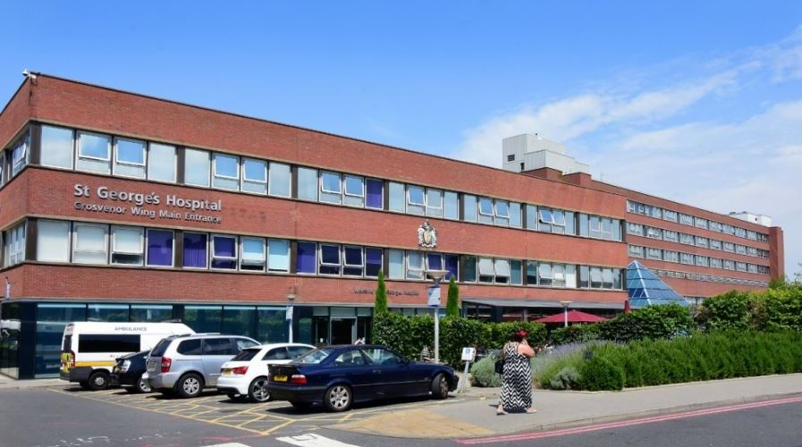 Odourless Roofing Solution Maintains Staff and Patient Comfort  at St George's Hospital 10