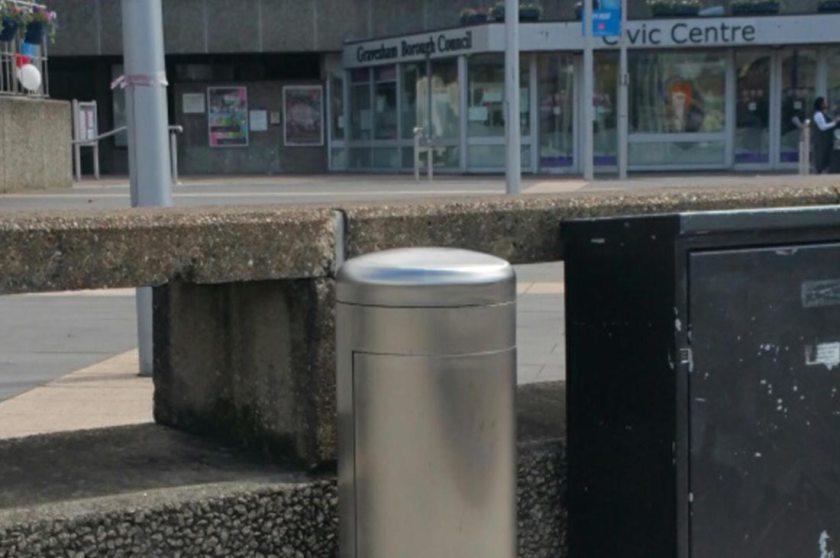 Power Bollards – an effective outdoor power supply in elegant street furniture design