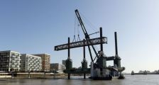 New Royal Wharf Pier arrives to new home in London