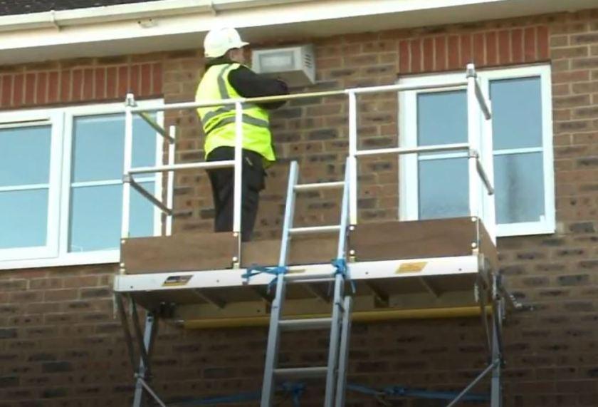 Roofline platform - alternative to scaffolding