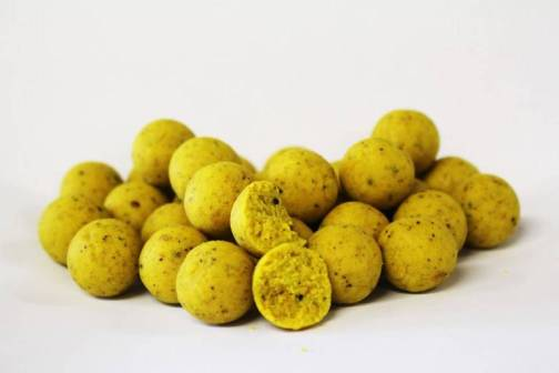 Mad Baits Nutz Banana Shelf Life Boilies 15mm 1kg