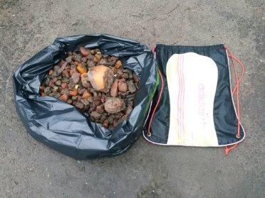 На Рівненщині 6 осіб судитимуть за незаконний видобуток бурштину