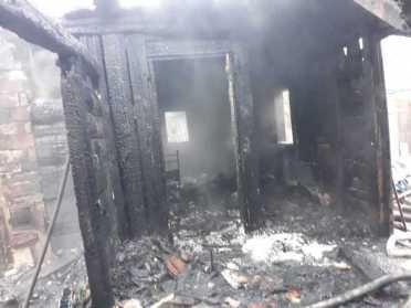 На Острожчині рятувальники не змогли врятувати будинок