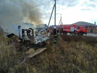 ДСНС в Рівному загасили пожежу будівельного вагончика