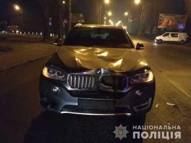 Водій BMW в центрі Рівного збив жінку