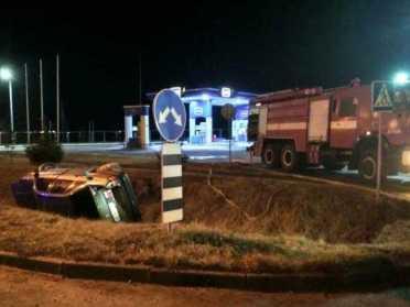 На Дубенщині авто злетіло в кювет поряд із заправкою