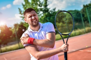 tennis player with shoulder pain