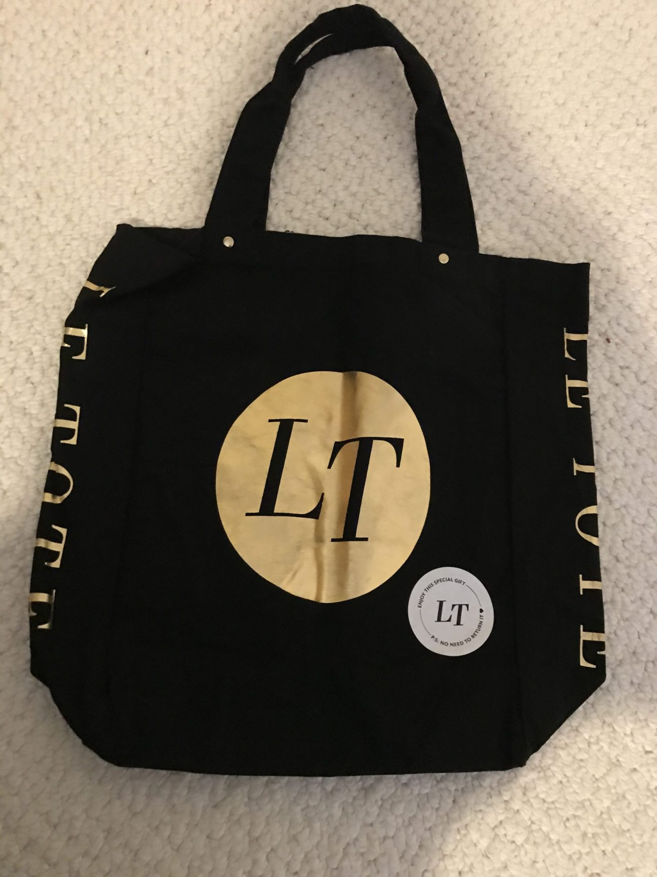 The free tote bag given to me by Le Tote