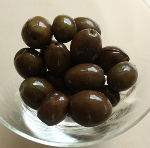 Water Cured green olives