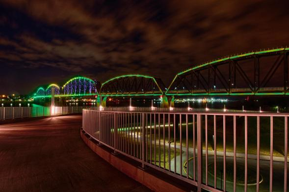 Big Four Bridge at night