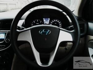 Hyundai Verna 1.4 CRDi base steering