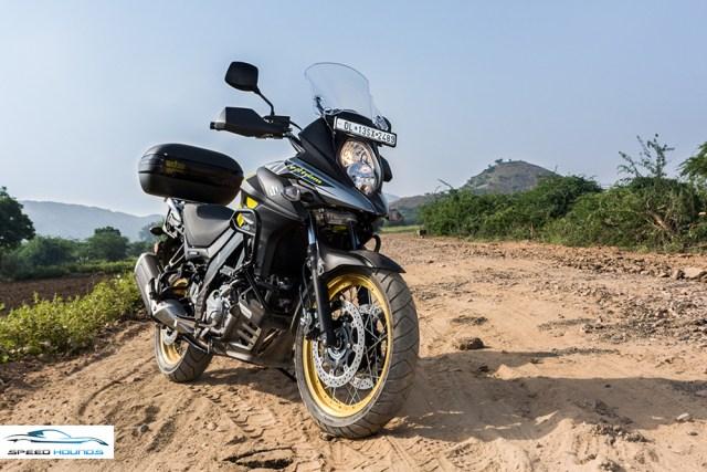 Suzuki Versys 650 XT ABS front review