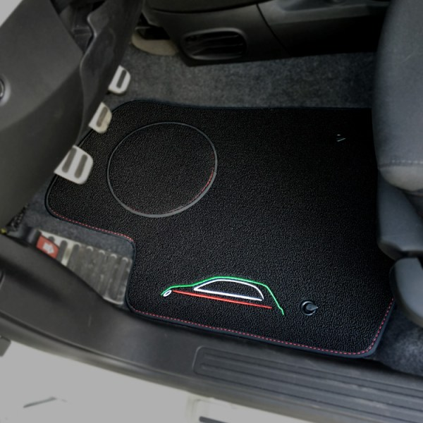 FIAT 500 Floor Mats by 500|SPEEDLAB Black with Italia Logo Driver