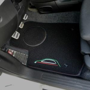 FIAT 500 Floor Mats by 500|SPEEDLAB Black with Italia Logo Driver