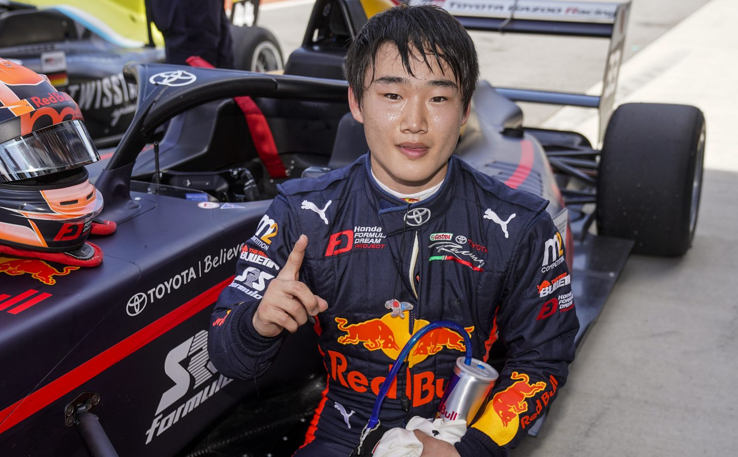 Tsunoda wins Highlands Race 2 with ease