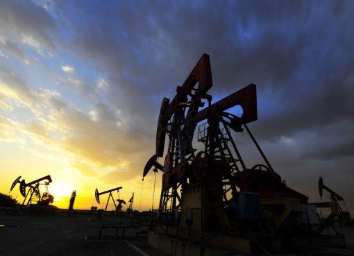 Απώλειες άνω του 3% για το πετρέλαιο στη βδομάδα εξαιτίας του κορονοϊού