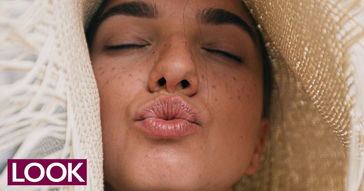 Πώς θα ξεφορτωθείς τα σκασμένα χείλη μια και καλή